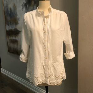 Embroidered and lace white shirt